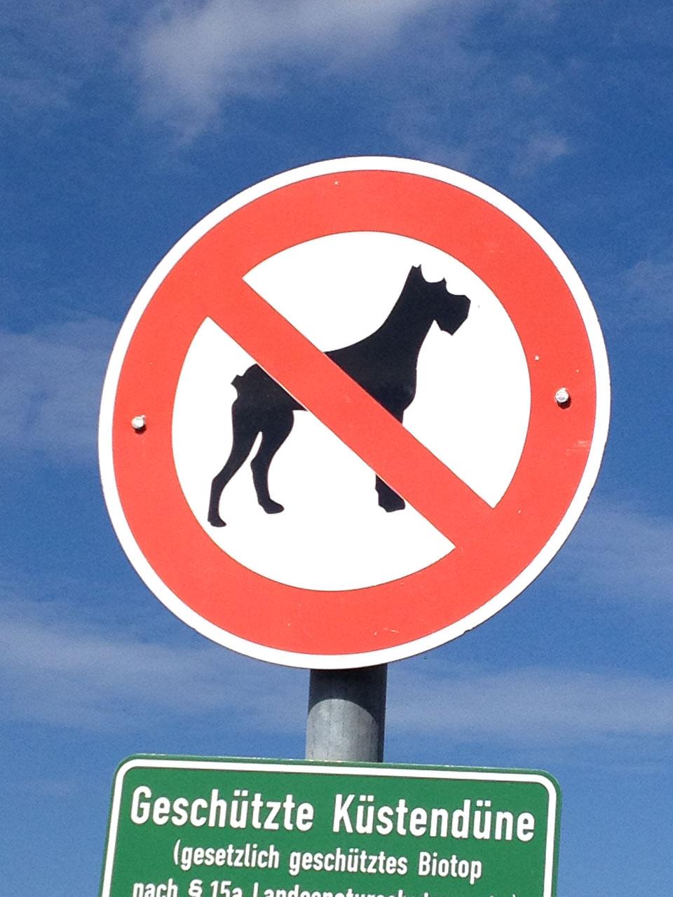 Hundeverbot Schilder an den deutschen Küsten