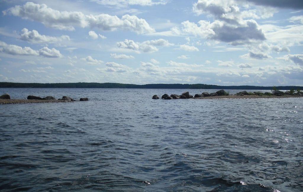 Seen in Finnland Wasser so weit man schauen kann
