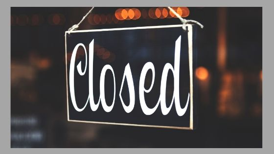 Schild mit der Aufschrift Closed
