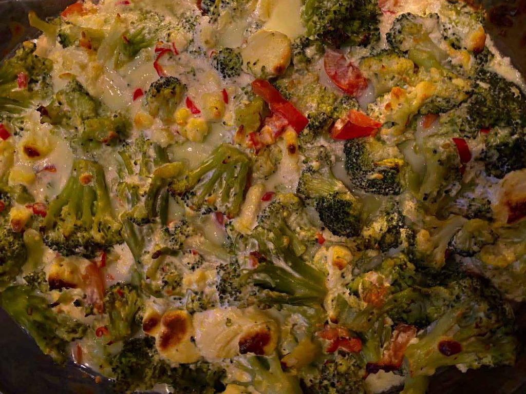 Low Carb Broccoliauflauf mit tomaten
