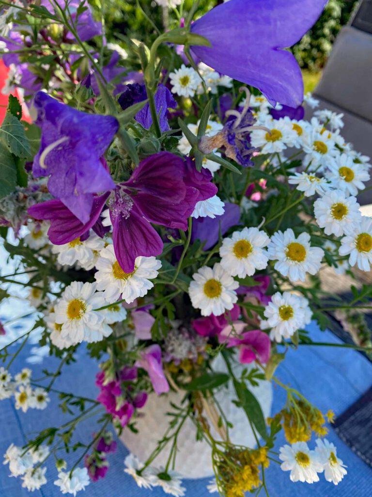 blumenstrauß aus landblumen