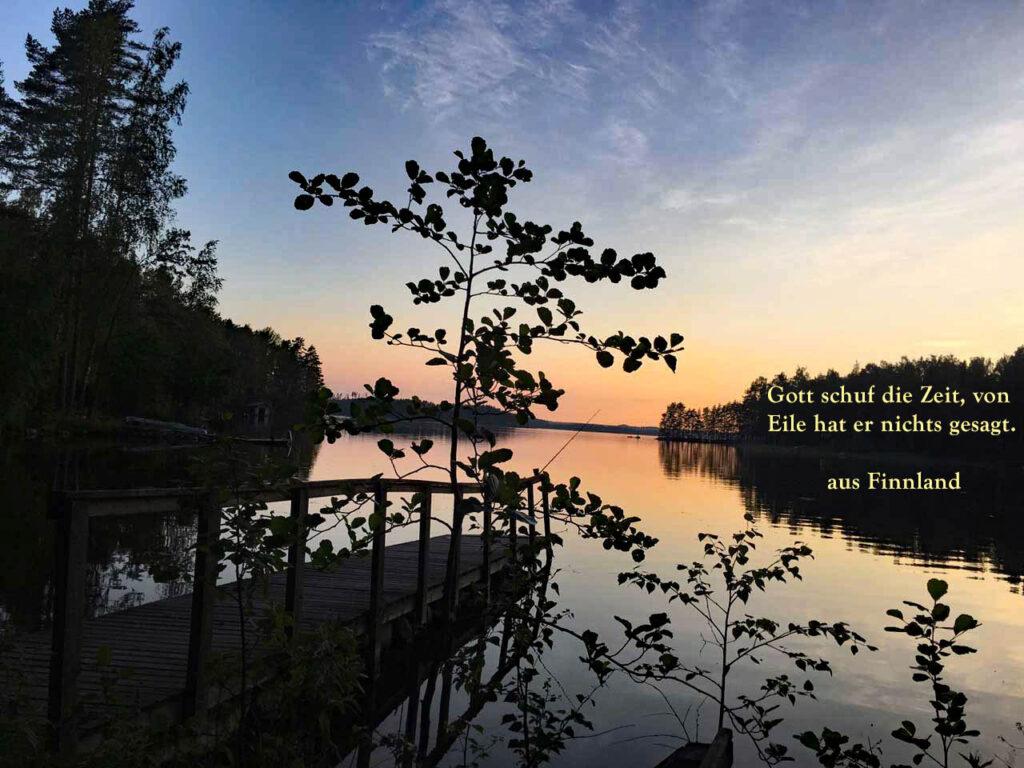 Jetzt wirds finnisch Finnland See in der Abendsonne