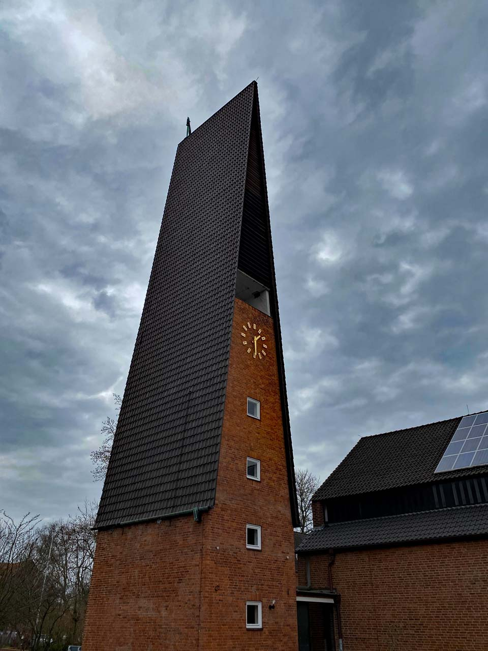 Moderner Kirchenturm Immanuelkirche