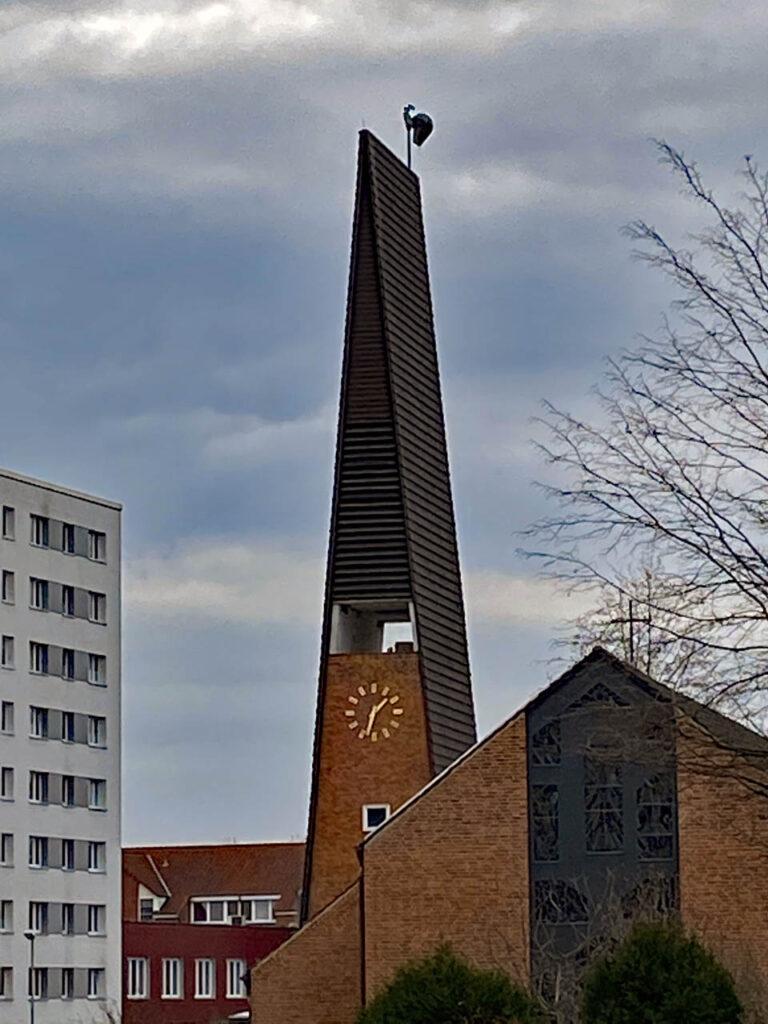 Immanuelkirche Kirchturm und Wetterhahn