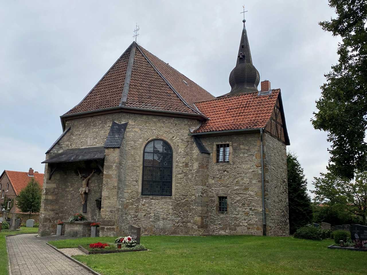 St. Pankratius Kirche Gesamtansicht