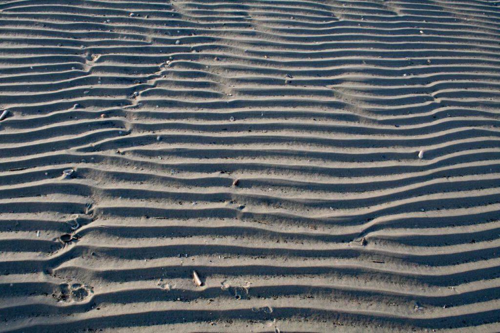 Wattenmeer Linien am Meer