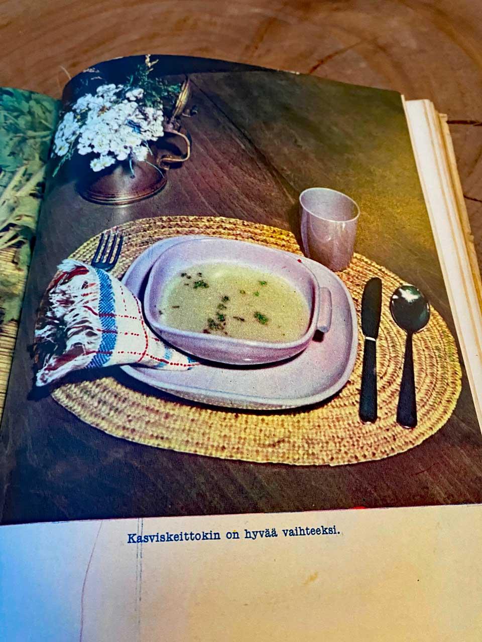Gemüsesuppe aus einem alten Kochbuch