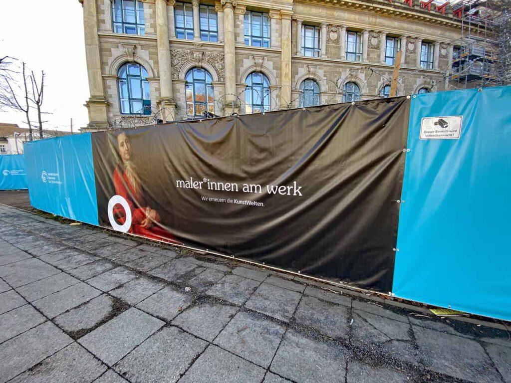 Sichtschutz beim Landesmuseum Hannover