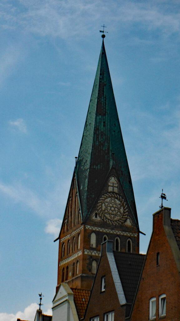 Glockenturm schief Lüneburg