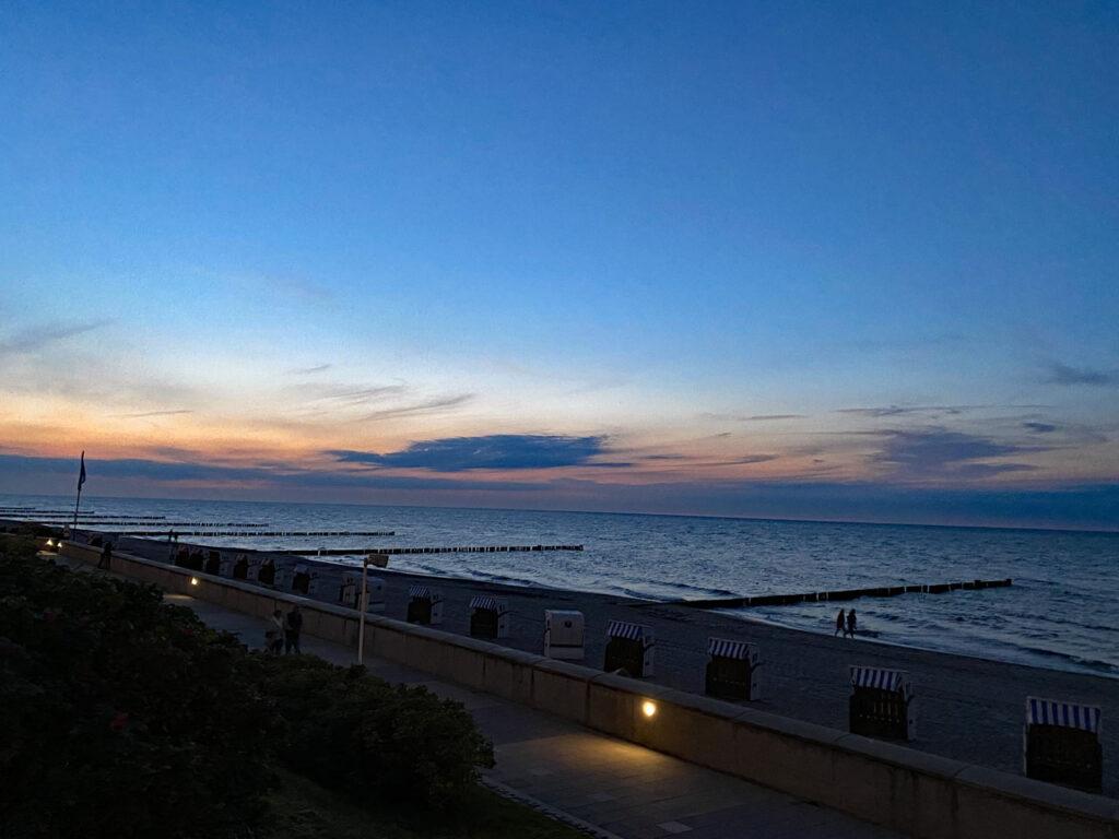 Blaue Stunde an der Ostsee